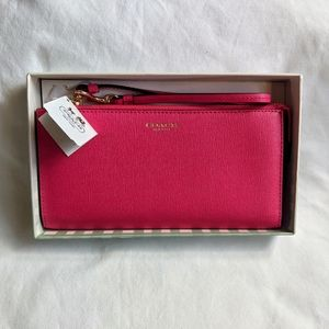 💖Coach Zippy Wallet in Saffiano Leather